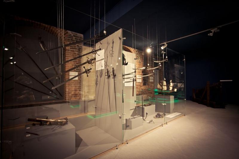 """Wystawa """"Do Abordażu!"""": Oryginalna broń z XVI i XVII w., fot. W. Jóźwiak"""