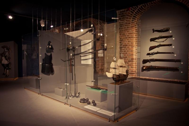 """Wystawa """"Do Abordażu!"""": Oryginalna broń z XVI–XVIII w., fot. W. Jóźwiak"""