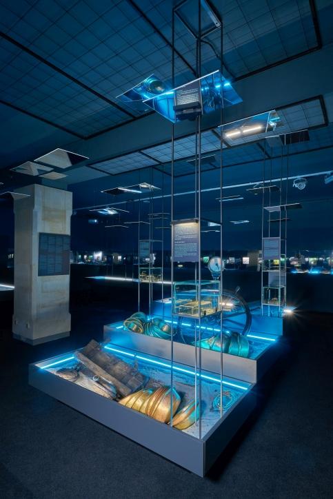 """Diorama na wystawie """"Do DNA. 50 lat archeologicznych badań podwodnych Narodowego Muzeum Morskiego w Gdańsku"""", fot. Dariusz Kula Images"""