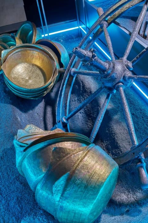 Fragment dioramy z kołem sterowym z pogłębiarki, fot. Dariusz Kula Images
