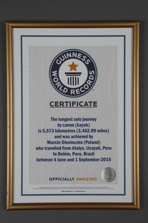 Certyfikat potwierdzający ustanowienie rekordu Guinnessa przez Marcina Gienieczko