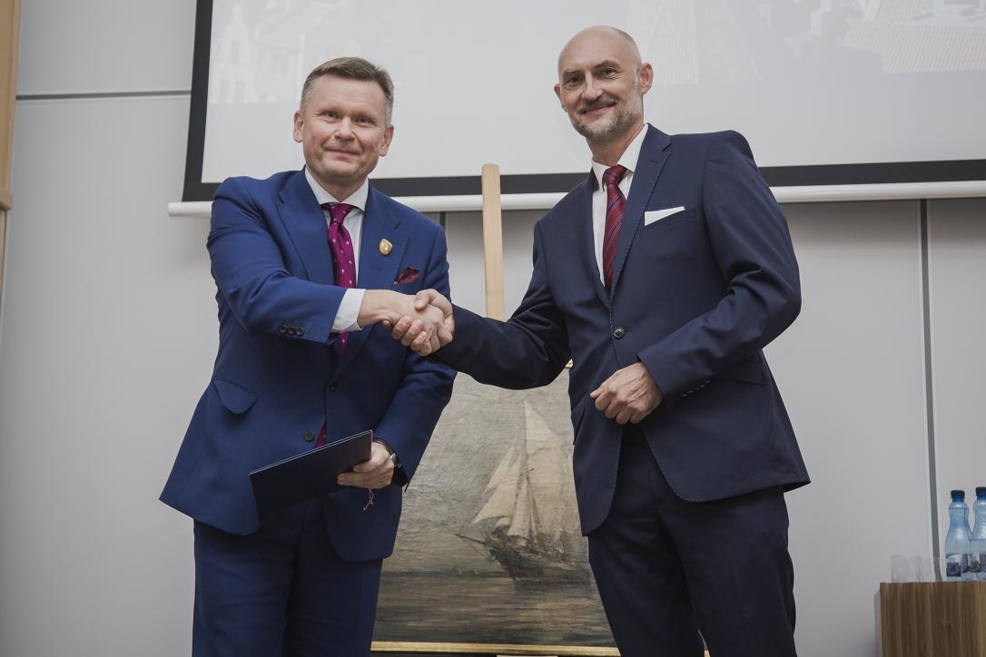 Dyrektor Muzeum Gdańska - dr hab. Waldemar Ossowsk i Dyrektor NMM - dr Robert Domżał