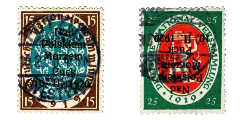 Dwa znaczki pocztowe upamiętniające Akt Zaślubin Polski z morzem
