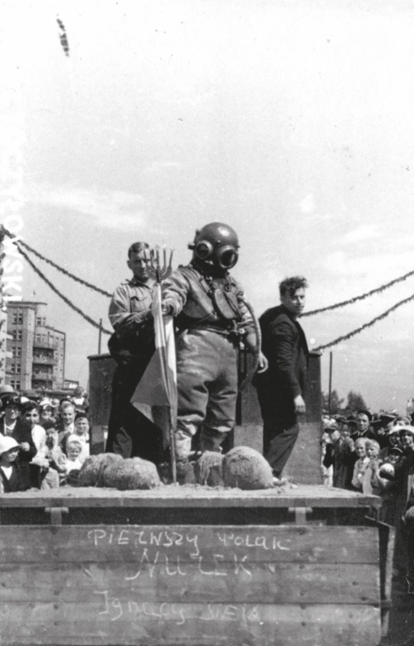 Święto Morza 1933 – Nurek Polski w Defiladzie z albumu Widoki polskiego morza i półwyspu, Władysław Toczyłowski, lata 1932–1934