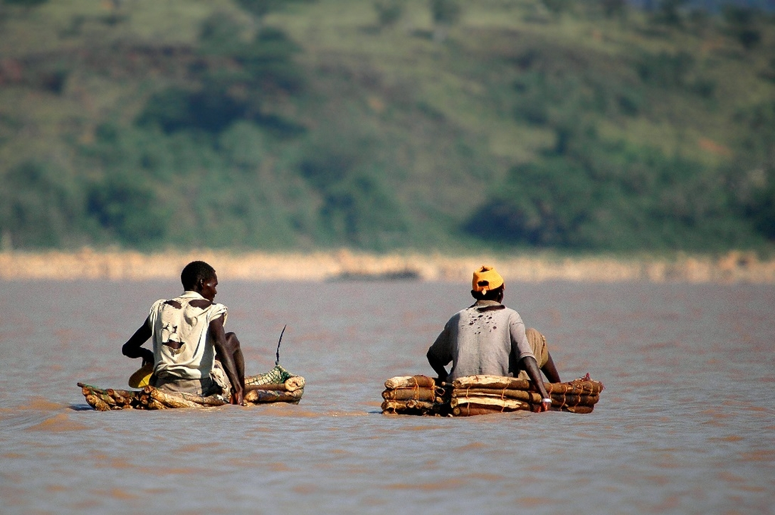 Rybacy, jezioro Baringo, Kenia. Fot. PromaFotolia