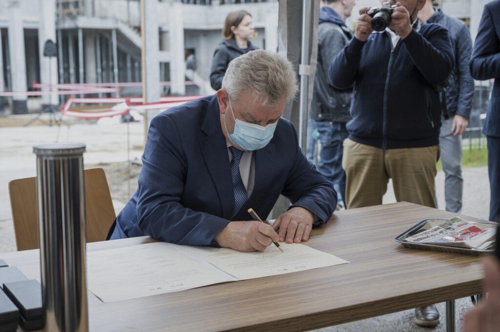 Kazimierz Kleina, Senator RP, podpisujący akt erekcyjny