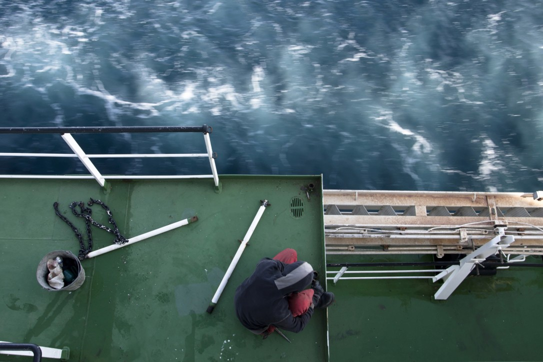 """Zdjęcie autorstwa Łukasza Zakrzewskiego zaprezentowane na wystawie fotografii """"Marynarze - cała wstecz"""""""
