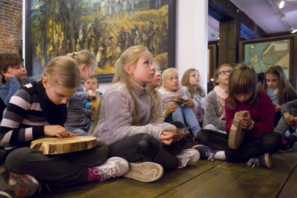 Lekcja muzealna w Spichlerzach na Ołowiance. Foto: K. Mystkowski