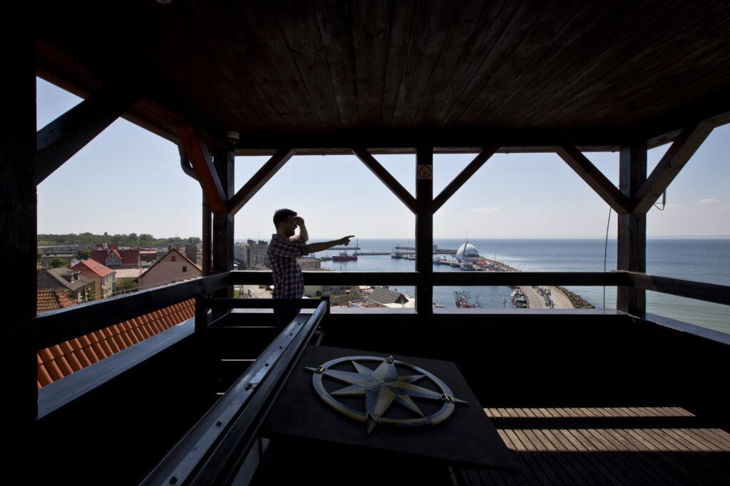 Punkt widokowy na szczycie wieży Muzeum Rybołówstwa w Helu.